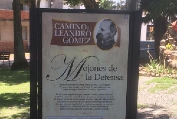 Camino de Leandro Gómez cuenta con mojones interpretativos
