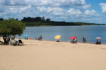 Las Cañas, un lugar para disfrutar en el río Uruguay