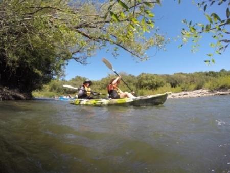 Más de 200 embarcaciones fueron parte de la undécima edición de la Travesía del Río Queguay